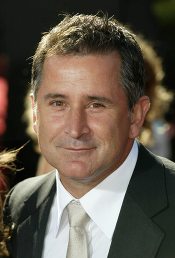 AnthonyLaPaglia03.jpg